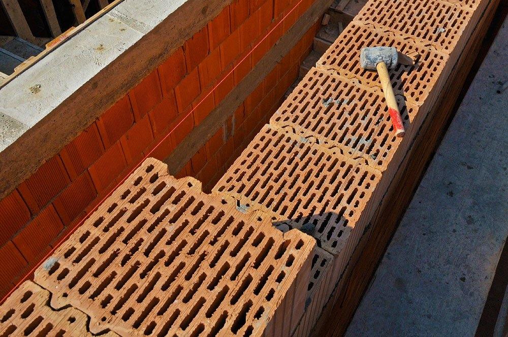 Будівництво будинків з керамічних блоків фото 2